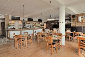 Restaurace Nad Jezerem - Přístavní 285, 471 63 Staré Splavy